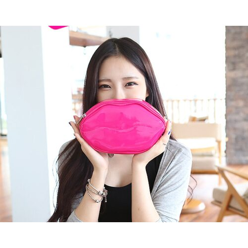Ottie Lip Shape Cosmetic Pouch #розовая